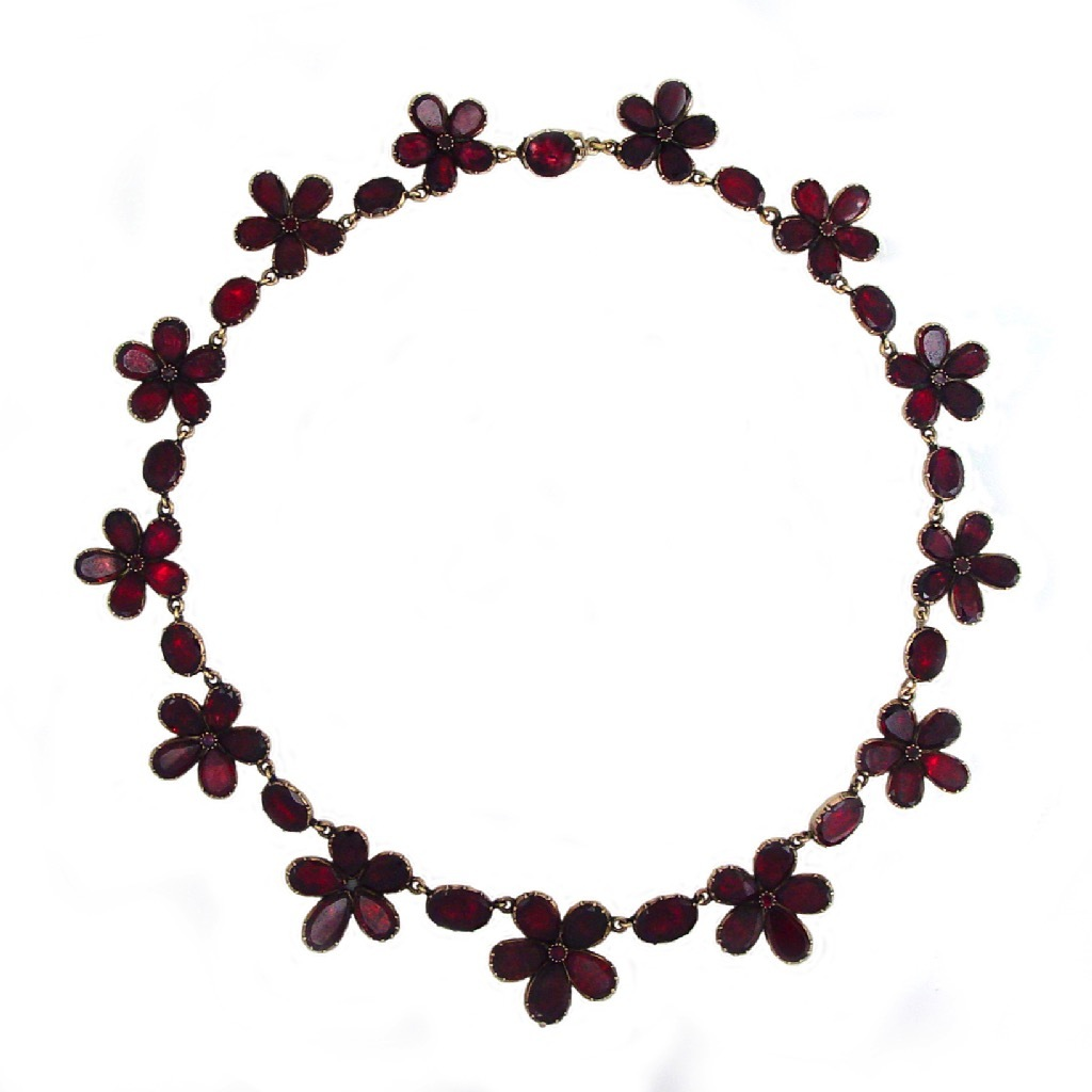 A Georgian Antique English Garnet Necklace