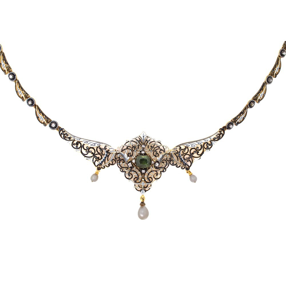 An Antique English Victorian Necklace