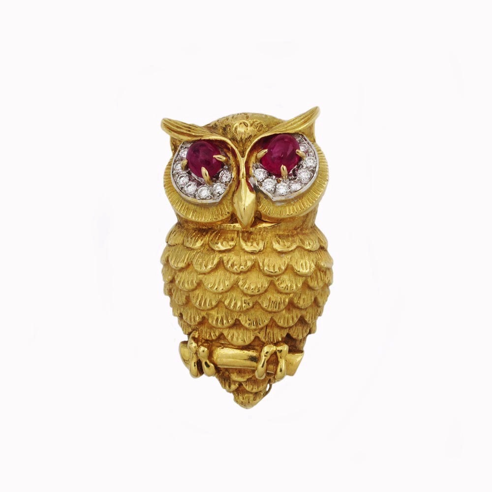 An Estate Gold Owl Brooch