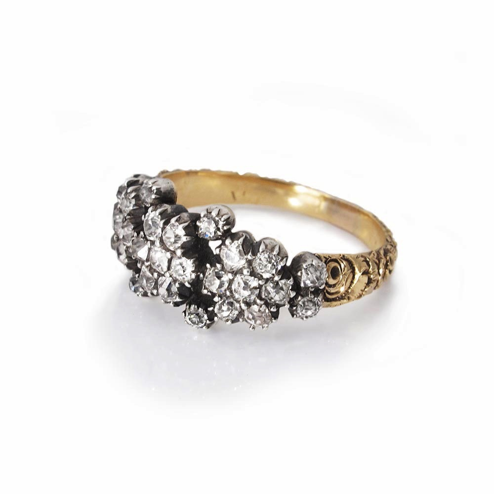 An Antique English Diamond Ring