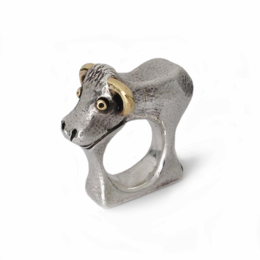 An Estate English Silver Bull Ring